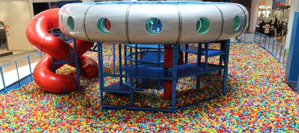 23f0518ed2 Space Ball estaciona no Shopping Contagem até 22 10